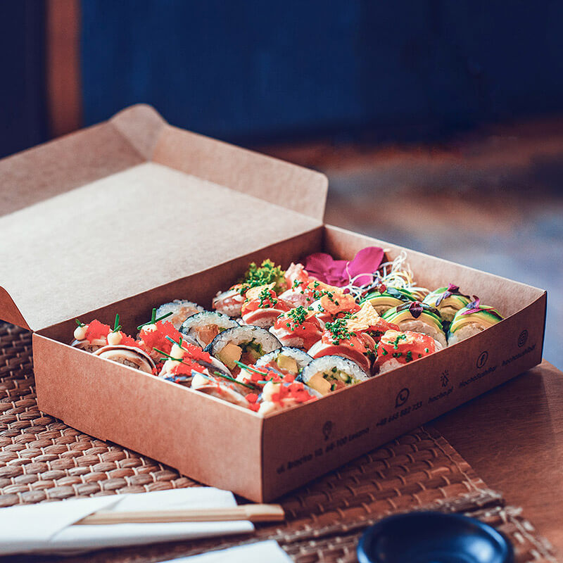 Elegant and durable sushi boxes allowed  to reduce the use of plastic in the restaurant.