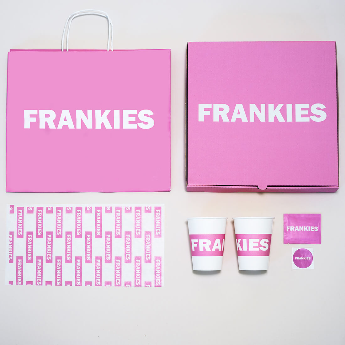 The pink print on the packaging makes the company stand out and attracts the attention of customers.